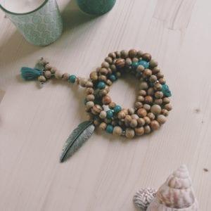 Bracelet boho bois breloques et perles en bois