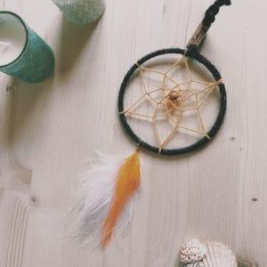 Attrape-rêve 10 cm et plumes colorées