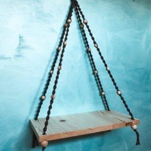 Etagère en macramé et sa planche en bois
