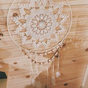 Attrape-rêve crochet 35 cm et perles en bois