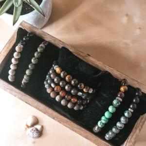 Bracelet perles gemmes diverses